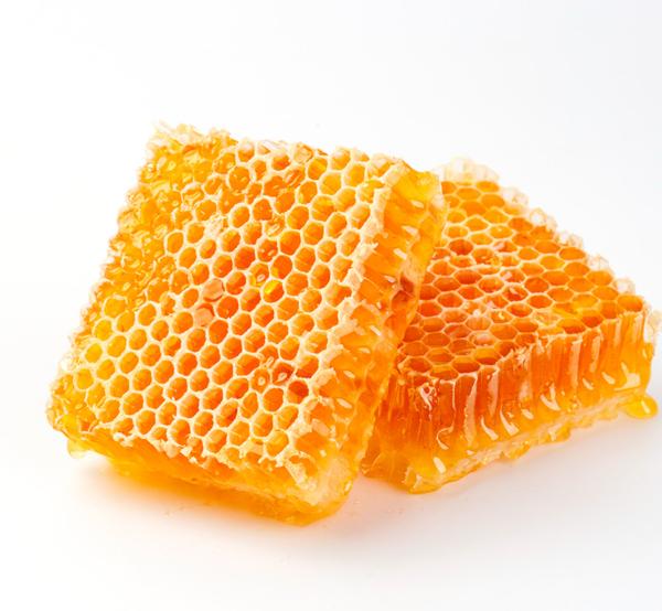 Favo con miele. Miele in favo